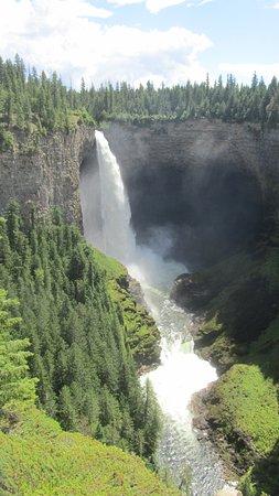 Wells Gray Provincial Park: Helmcken Falls