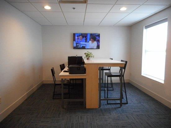 Fairfield, OH: Business Center
