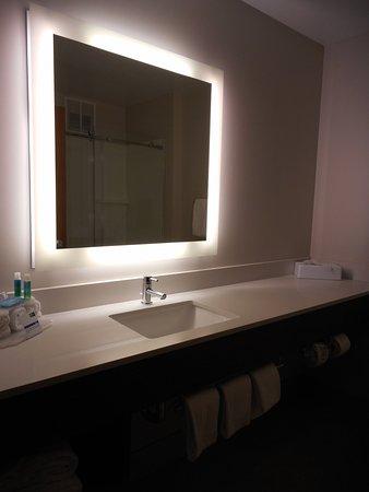 Fairfield, OH: Guest Bathroom