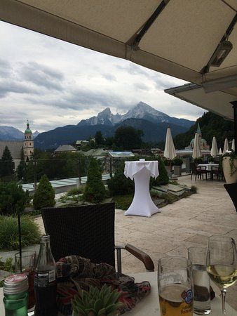 Hotel Edelweiss: Vue terrasse du restaurant