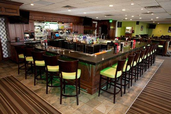 Spring Lake, MI: Bar and Lounge