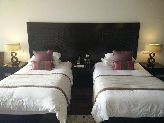 Greater Noida, India: Room - beds