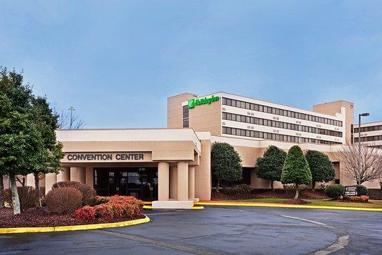 Johnson City, TN: Hotel Exterior