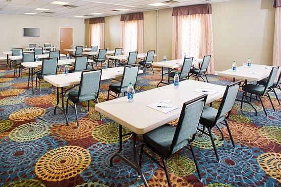 Holiday Inn Express Hotel & Suites Auburn : Magnolia Meeting Room