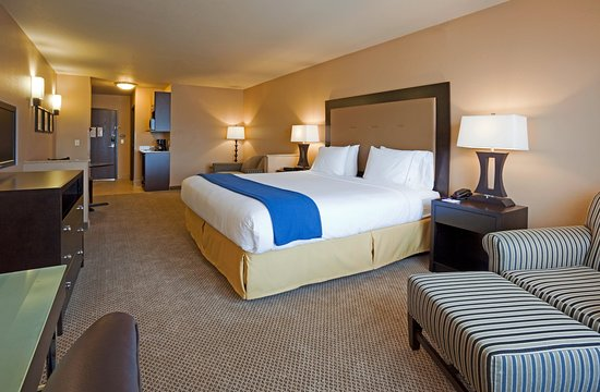 Chippewa Falls, Ουισκόνσιν: King Suite Holiday Inn Express Eau Claire North