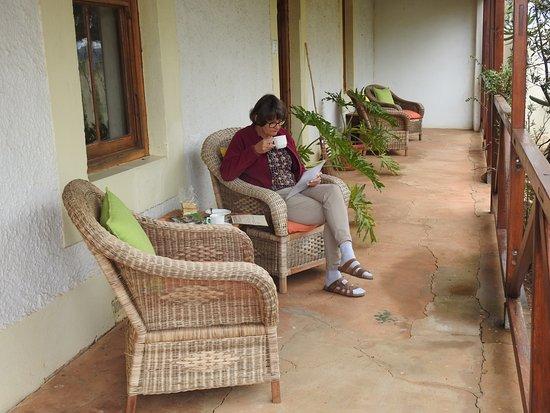 Carnarvon Dale: Heerlijk thee (rooibos!) drinken op de stoep