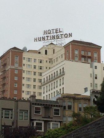 The Scarlet Huntington: photo0.jpg