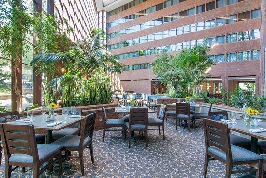 Omni Charlottesville: The Pointe Restaurant