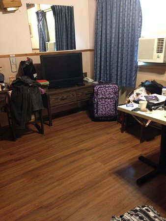 Duncan, Canada: Living Space in our Room with Kitchen!