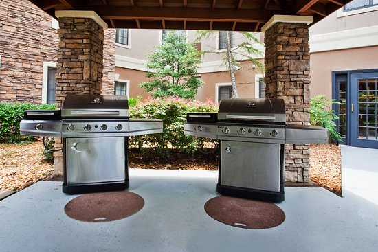 Staybridge Suites Atlanta - Perimeter Center East: Guest Patio