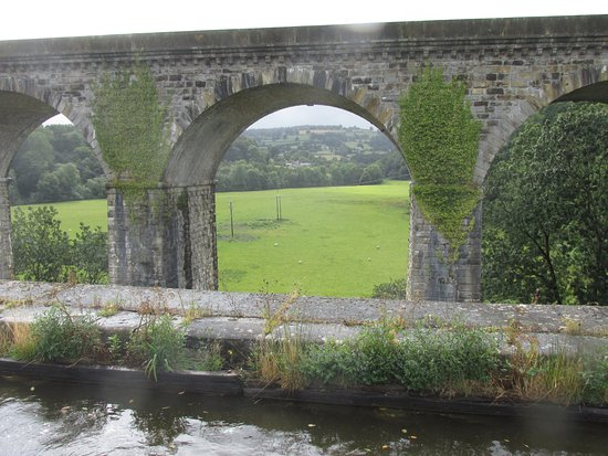 Chirk, UK: The viaduct from the middle of the aqueduct