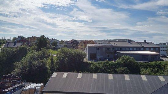 Thon Hotel Kirkenes: Vista de la habitación a la ciudad