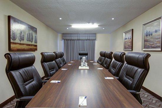 Comfort Inn and Suites Ambassador Bridge: Boardroom Meeting Room