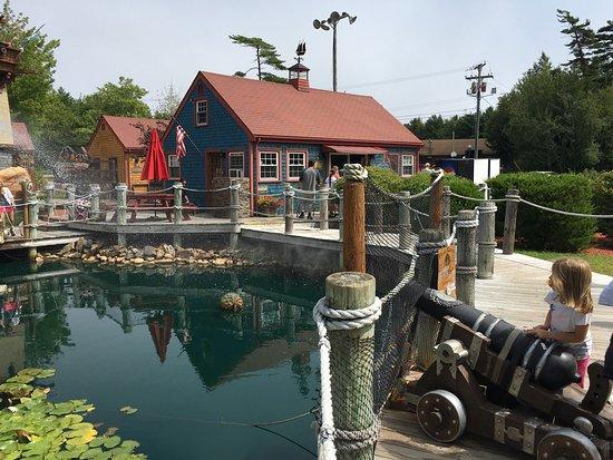 Pirate's Cove Miniature Golf: photo1.jpg