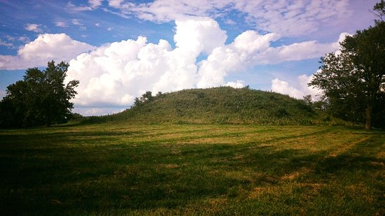 Collinsville, IL: Cahokia Mounds