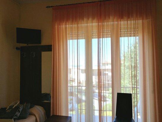 Hotel Montecarlo: IMG_20160822_160414_large.jpg