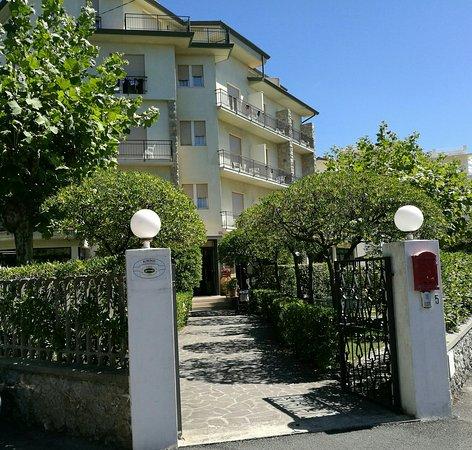 Hotel Montecarlo: IMG_20160822_160345_large.jpg