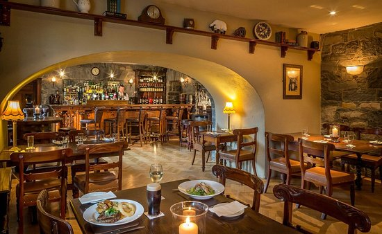 Bushypark, Irland: Oak Cellar Bar