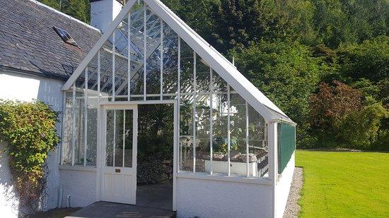 Strathcarron, UK: Greenhouse Outside