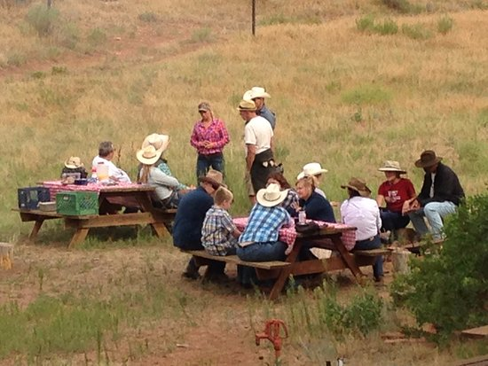 Sylvan Dale Guest Ranch: Breakfast ride