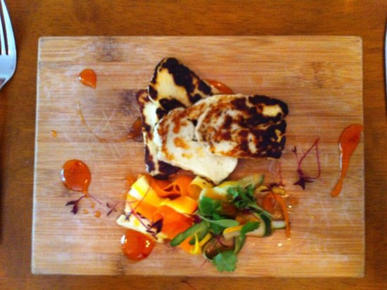 Wantage, UK : Halloumi and vegetables with chilli sauce