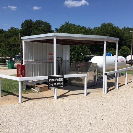 Roanoke, TX: Propane Fill Station