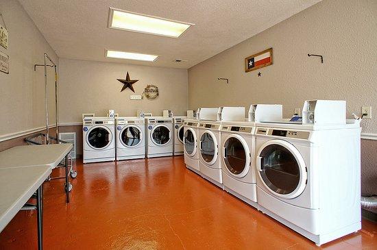Roanoke, TX: Laundry Room