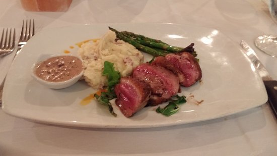 Local Chop and Grill House: Awesome duck breast