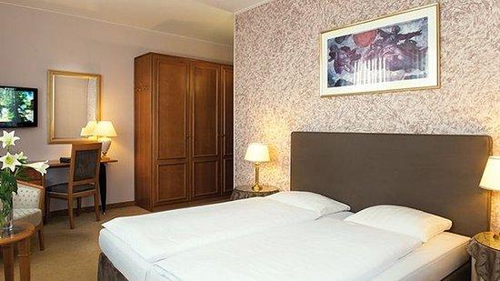SaarLouis, Germany: Superior Twin Room
