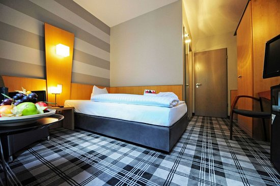 Median Hotel