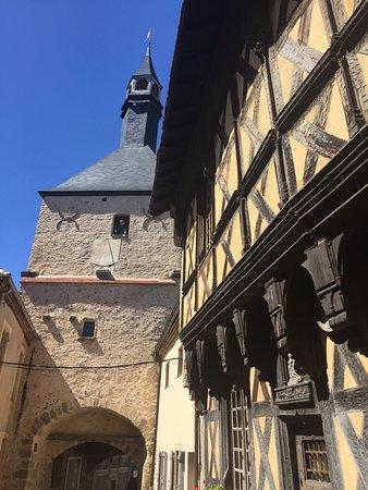 Bourbon-Lancy, France: La vieille ville de Bourbon Lancy