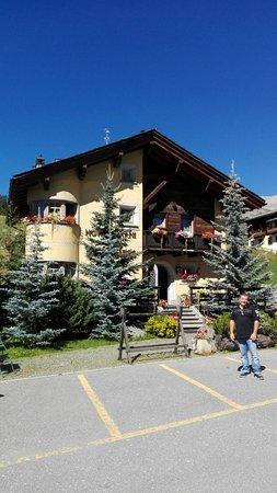 Hotel Garni La Suisse Photo