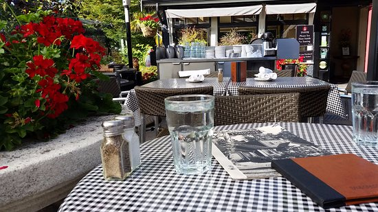 Teahouse in Stanley Park: patio