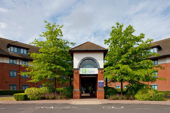 Holiday Inn Express Birmingham NEC: Look forward to a wam welcome at the Holiday Inn Express NEC