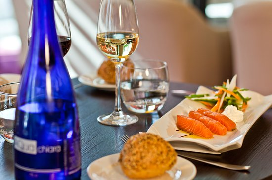 Clichy, Francia: Enjoy a nice meal at DOOR'S, french homemade dishes