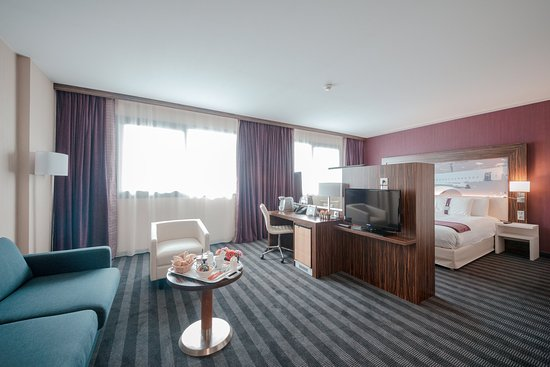 Blagnac, França: Our Junior suite will offer you an unbelievable memory