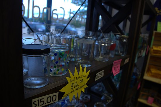 Mentor, Ohio: Make Your Own Candle Glass Wall!