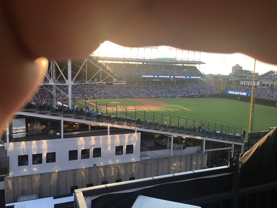 ‪Wrigley Field Rooftop Club‬