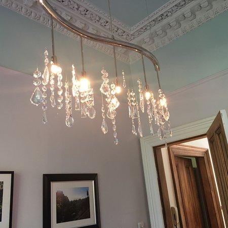 Allburys: Elegant breakfast room chandelier