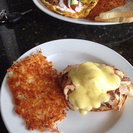 Kalaheo, HI: eggs benedict