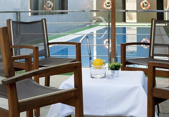 AC Hotel Murcia : Outdoor Terrace