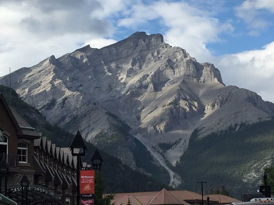 Banff Rocky Mountain Resort: panorama dal vicino paese (Banff)