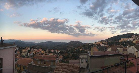 Lanusei, Italia: Panoramica dalla veranda ..un Belvedere😍