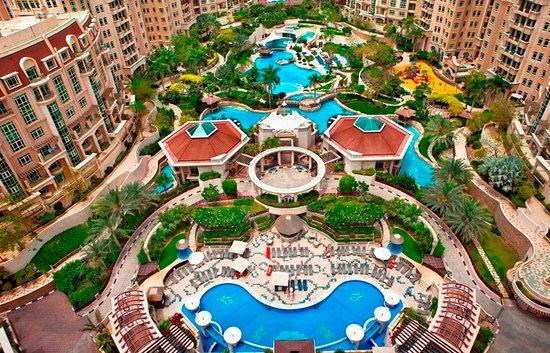 Al Murooj Rotana: Swimming Pool