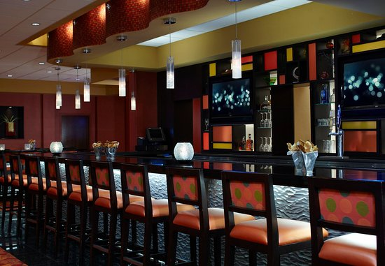 Carmel, Ιντιάνα: Day/Night Bar