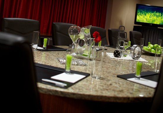Carmel, IN: Executive Boardroom