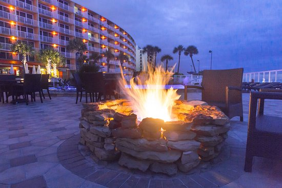 Holiday Inn Resort Daytona Beach Oceanfront: Unwind by our two oceanfront fire pits