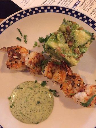 Tukwila, Etat de Washington : Cabo Wabo shrimp, Dungeness crab cake and menu cover.