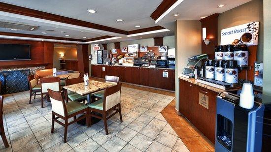 Saint-Jean-sur-Richelieu, Canada: Breakfast Area