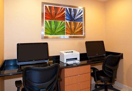 Naperville, IL: Business Center